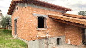 villetta abusiva in costruzione con richiesta di condono edilizio a roma